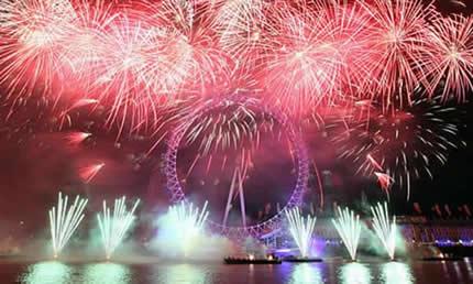 Londra: crociera dei fuochi d'artificio di Capodanno con Clipper